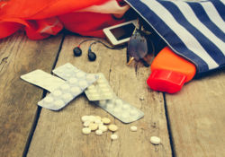 L'ANSM informe sur les traitements médicamenteux en vacances